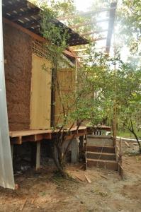 http://melissalulujin.com/files/gimgs/th-29_Tmat-Boey-Eco-Lodge-6.jpg